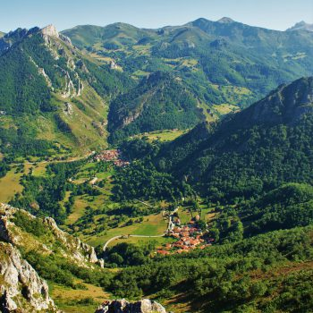 vista-alto-picos-europa-pueblos-dobres-y-cucayo
